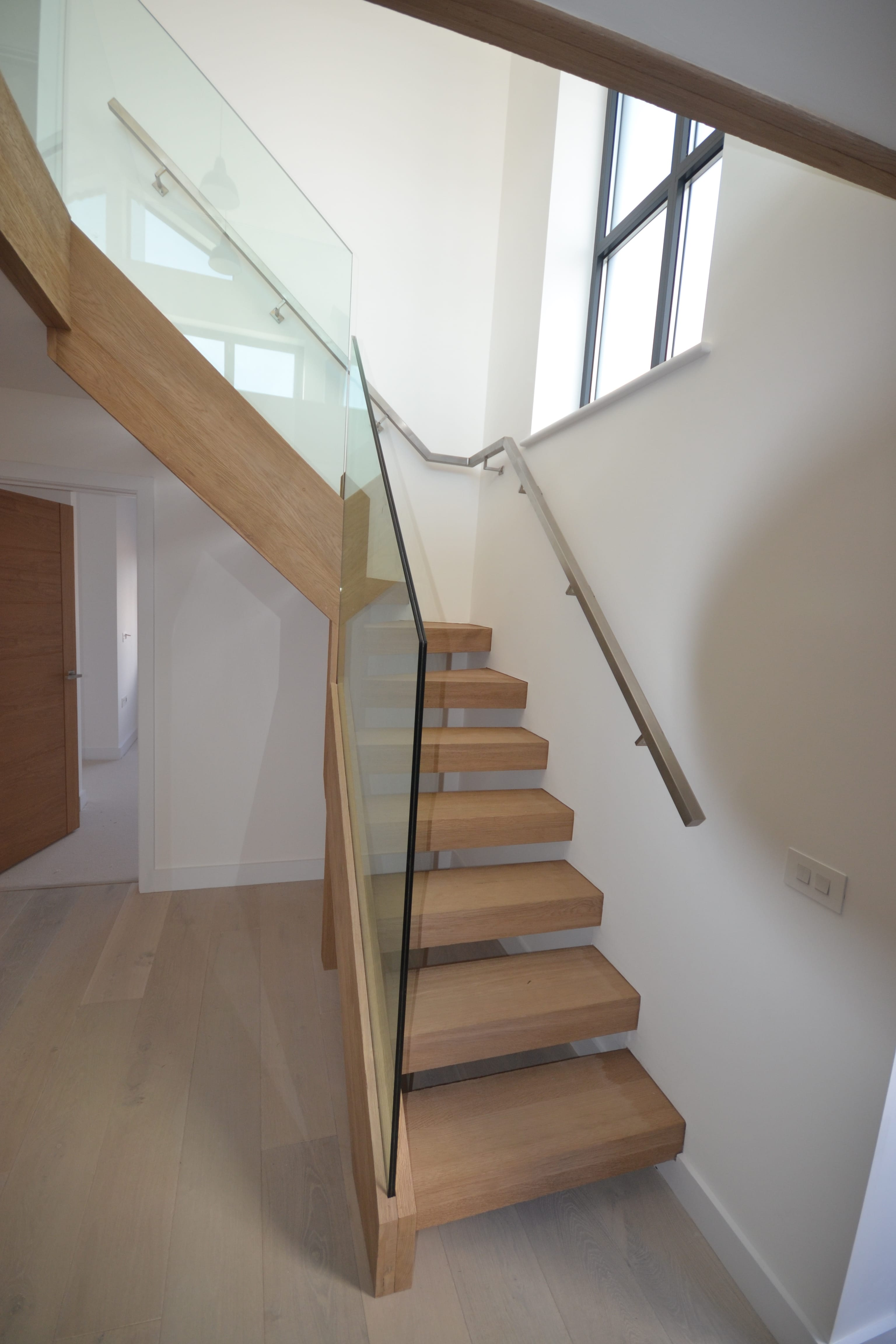 jla joinery oak and glass staircase. Black Bedroom Furniture Sets. Home Design Ideas