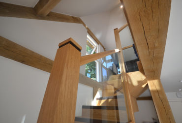 Oak-and-Glass-Staircase