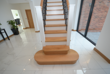 Large Cut String Stair & Landing 2
