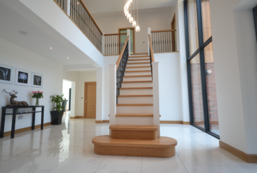Large Cut String Stair & Landing 8